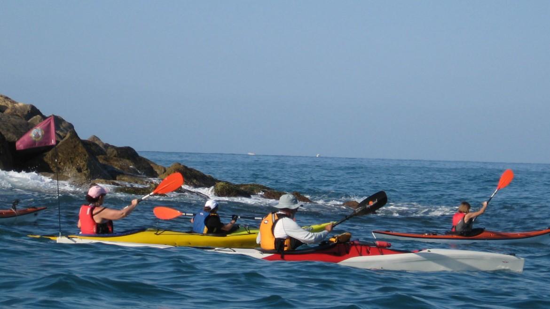 Los Dragones de Mar navegaron por Oropesa y Benicassim