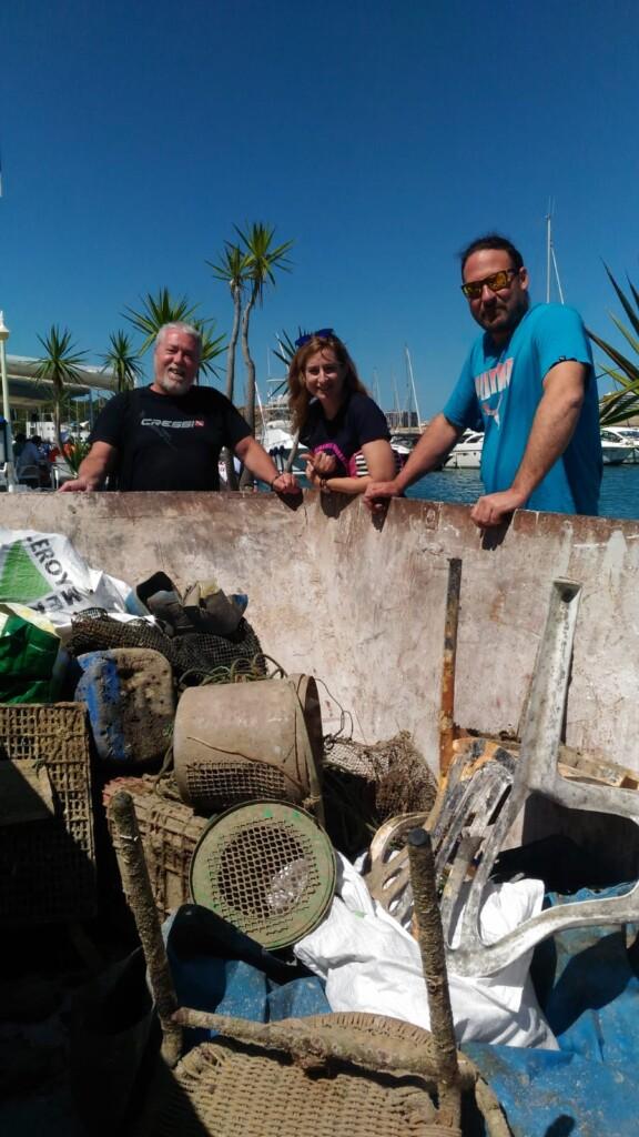 WhatsApp Image 2019 06 03 at 11.39.37 576x1024 - III Ecojornada para la limpieza de los fondos submarinos.